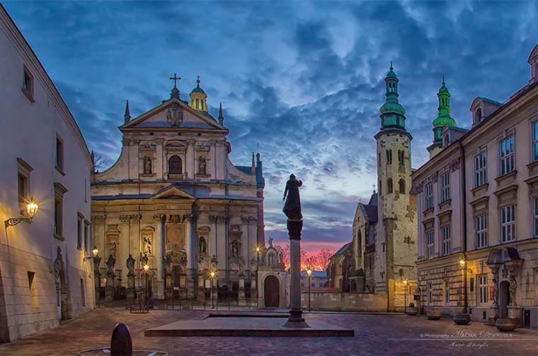 Plac Marii Magdaleny i kosciół Piotra i Pawła foto Maciej Dźwigała